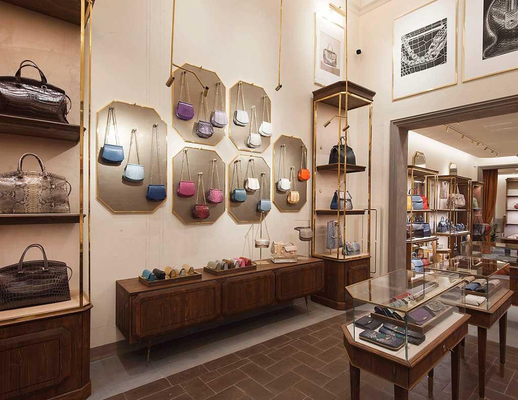 Boutique-Bianchi&Nardi-Arch.-Ilaria-Sassolini&Florenzo-Capogrosso-Peck-BT-custom-con-asta-ottone-anticato-2